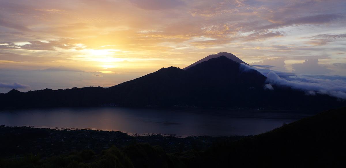 mt_batur_sunrise_view